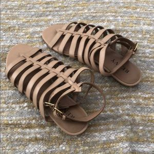 Renvy Shoes - NWT Renvy nude leather sandals, 8